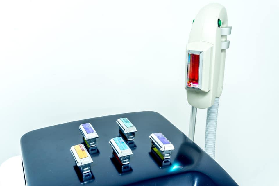 IPL SHR apparaat voor laseren en ontharen PMU Elegance